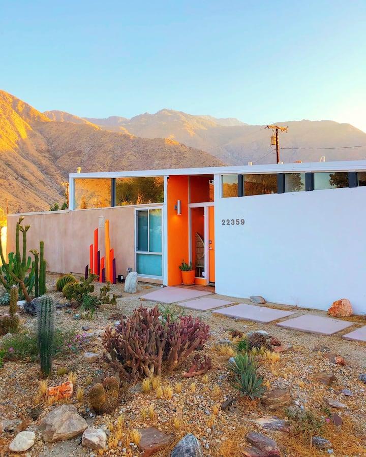 Dazey Desert House - A Colorful Design Dream