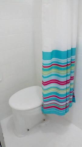 Banheiro 3 com chuveiro eletrico