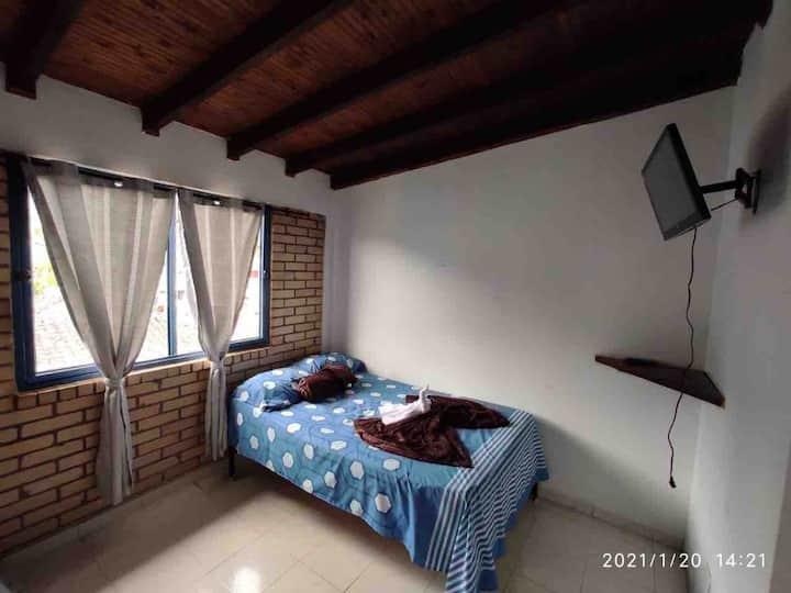 Hotel san Vicente habitación triple