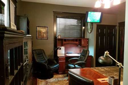 Luxury Studio Suite, In Five Points South @ UAB.