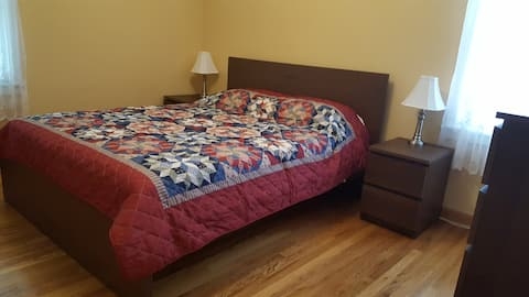 Cozy 2-bed Apartment
