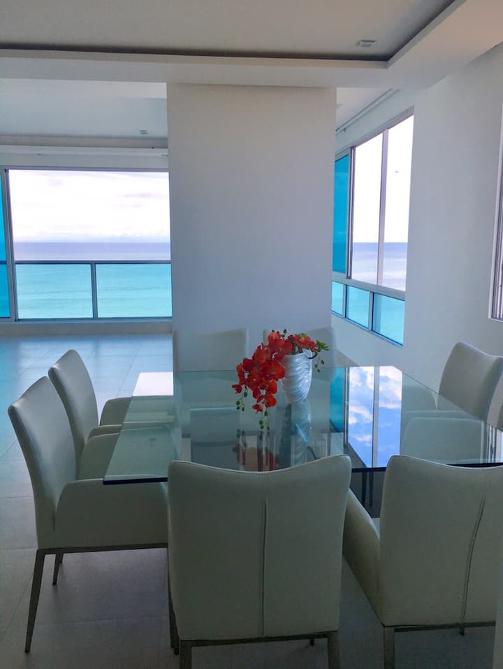 The Most Luxury stay in Ocean and reef view
