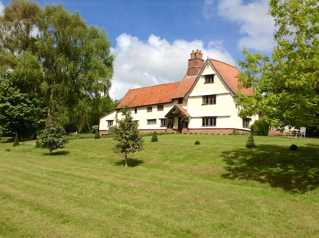 Beautiful Farmhouse 20 mins Southwold and  Coast . - Chediston - House