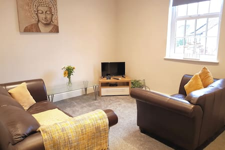 Luxury 1bed +parking , great location