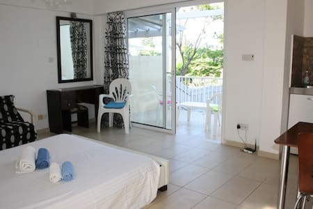 Studio in amazing location-Protaras - Protaras - Apartment