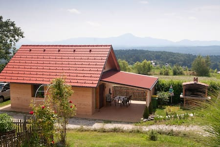 HOUSE close to ski resort with a beautiful view - Visole - House
