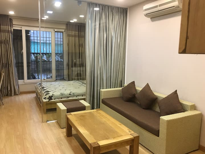 Nice and quiet apartment near West Lake.