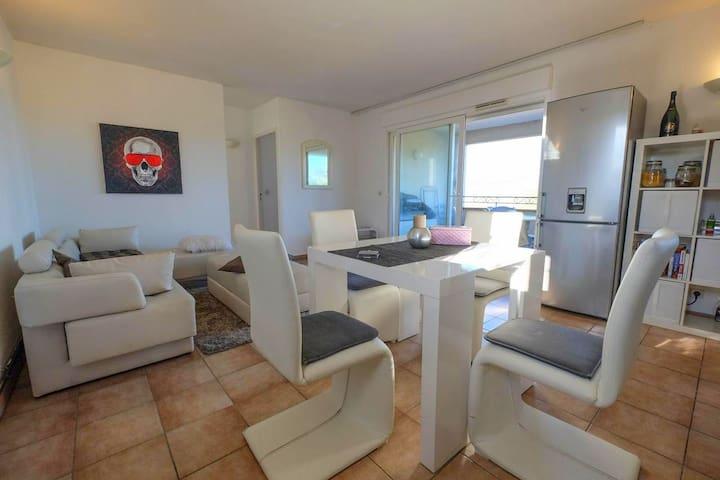 Bel appartement vue mer à Saint-Tropez - Saint Tropez  - Byt