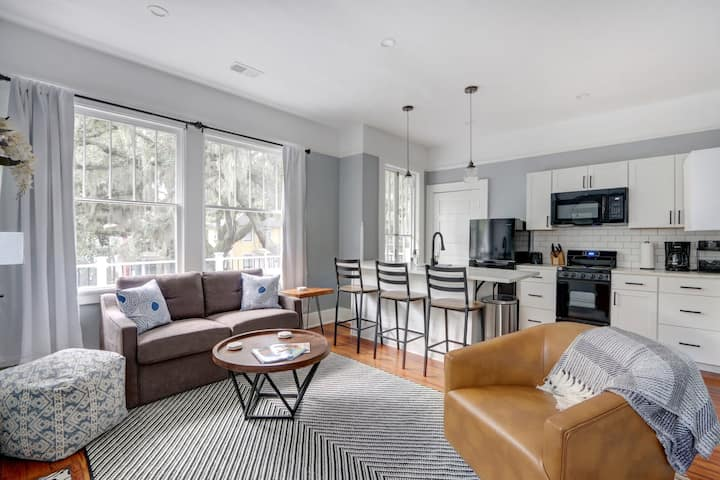 Renovated Modern Home in Historic Streetcar District