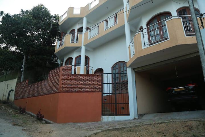 Kandy Luxury Five Bedroom Villa  with Scenic View