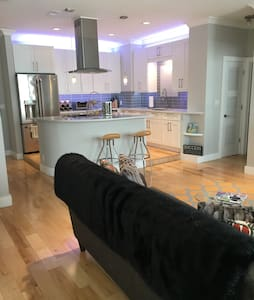 Top Floor Downtown Knoxville Condo - 諾克斯維爾(Knoxville) - 公寓