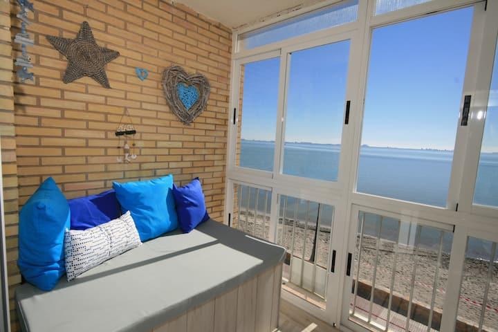 Front line beach apartment, Los Alcazares