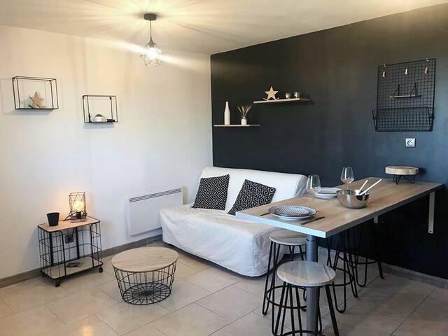 Espace salon + cuisine