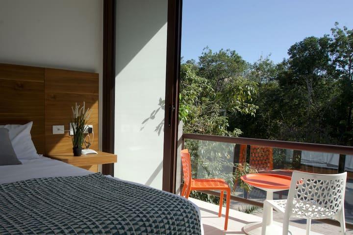Contemporary Studio w/ modern amenities