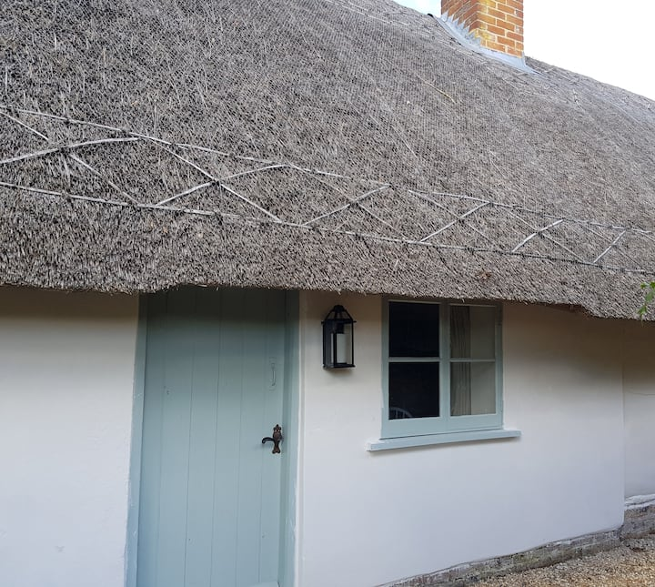 Thatched Grade ll property in Ashford Hill