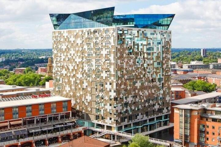 Luxurious Apartment in The Cube Birmingham City B1