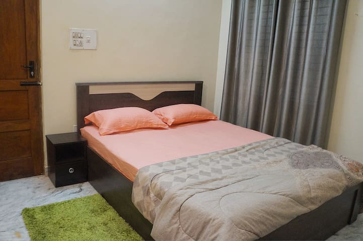 Monthly stays at 21k in Koramangala