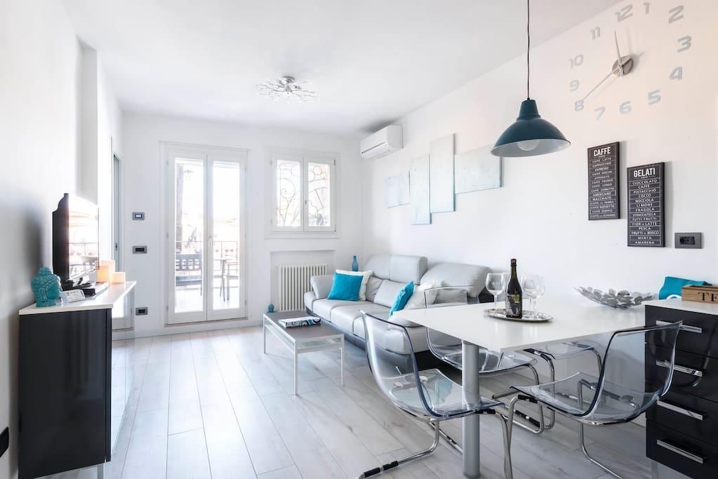 L 39 attico del duomo appartamenti in affitto a modena for Appartamenti in affitto modena