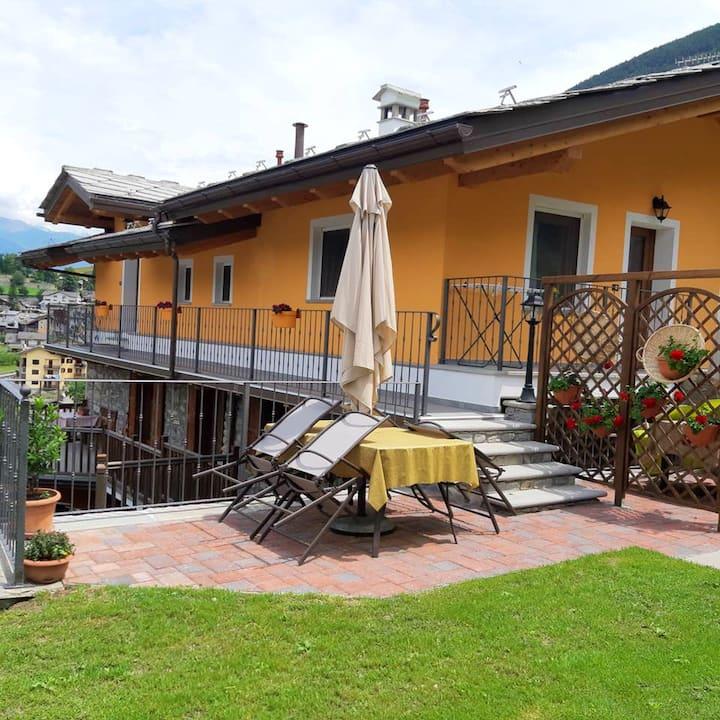Appartement d'une chambre à Aymavilles, avec magnifique vue sur la montagne, jardin clos et WiFi - à 7 km des pistes