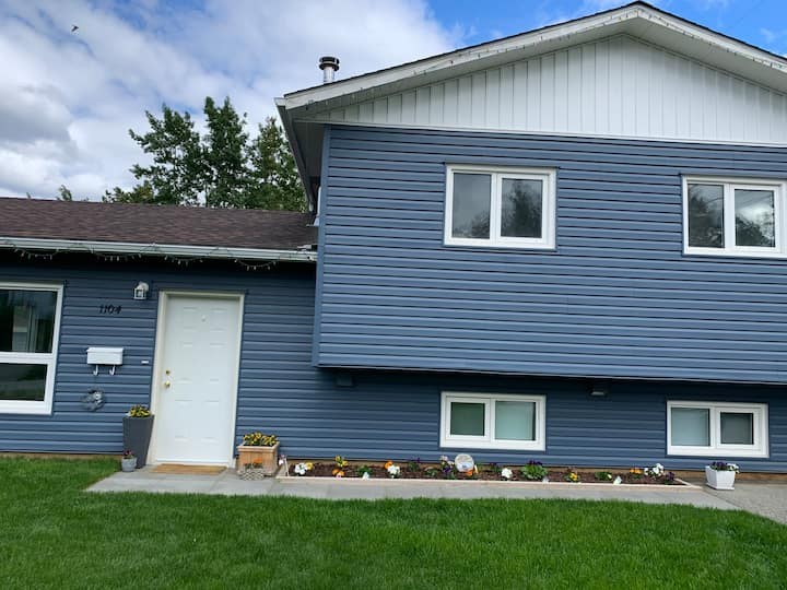 Family friendly 3-bedroom home with large yard!