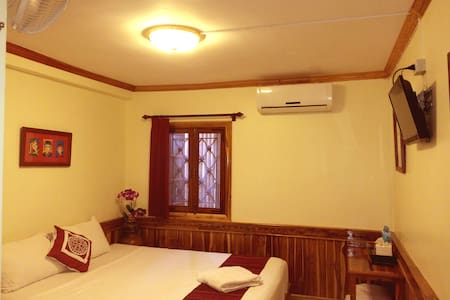 Standard double bedroom - Luang Prabang