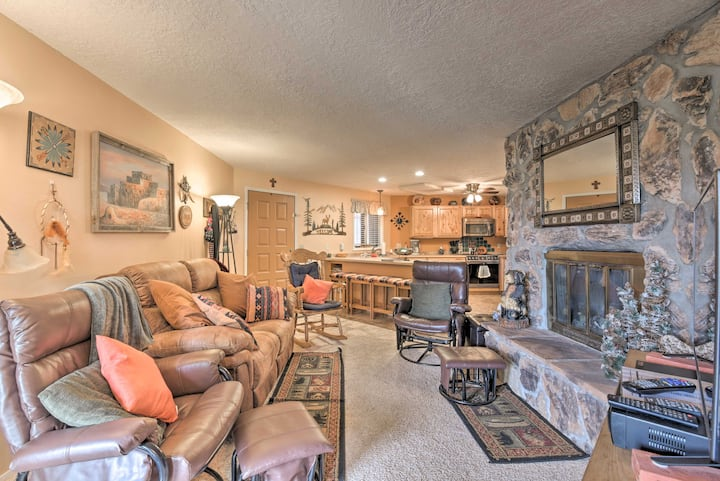 Mtn-View Angel Fire Condo, <1 Mile to Resort!