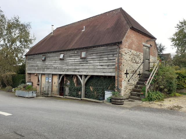 Comfortable self contained Room in Converted Barn
