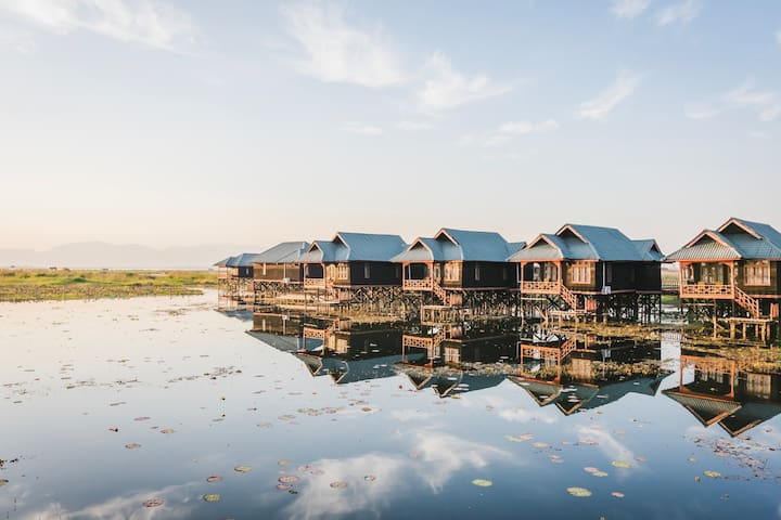 Grand Deluxe Over The Lake@Serenity Inle Resort