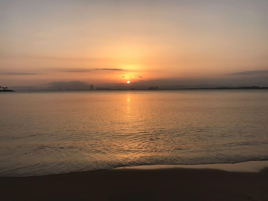 小区码头看日落