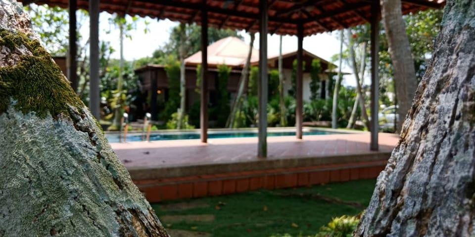Serapi Bayu Resort