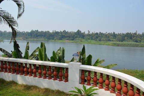 Periyar Homestay1-RiverView - A/C | Cochin Airport