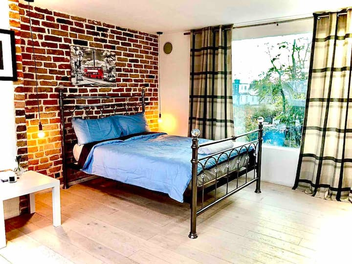 Great Studio,Close to ExCel/O2/LCY, 20min C.London
