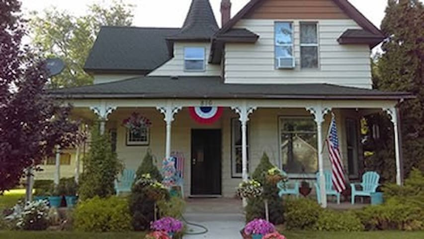 Davenport Inn, Bed and Breakfast - Davenport - Bed & Breakfast