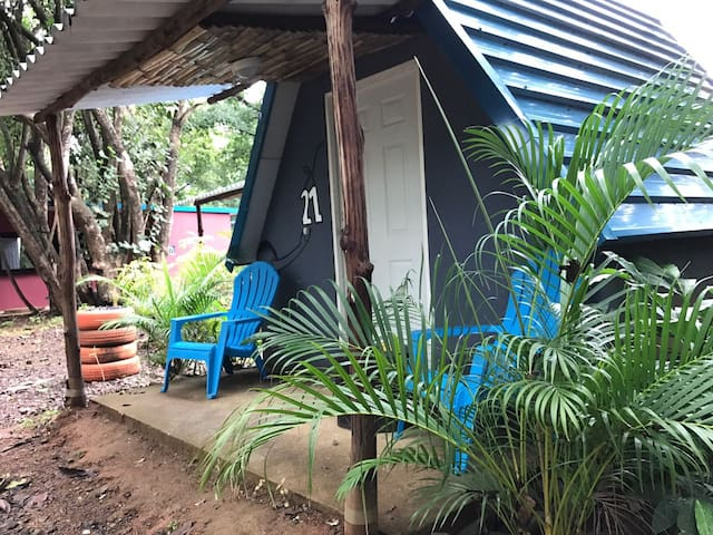 Tipi Hostel  Playa Venao  Dorm 2