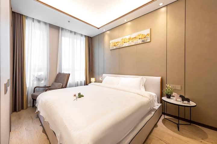 七号】外滩、南京路步行街、人民广场酒店式公寓房3床电梯