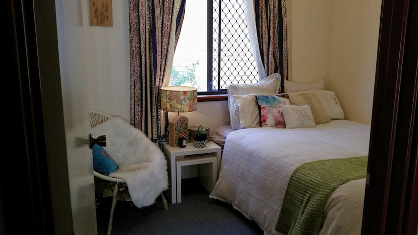 Bed, breakfast and more! - Karrinyup