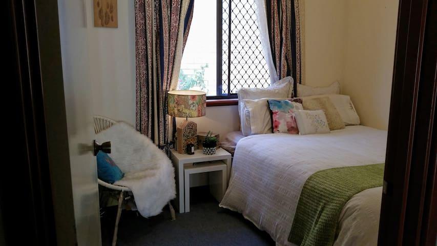 Bed, breakfast and more! - Karrinyup - Huis