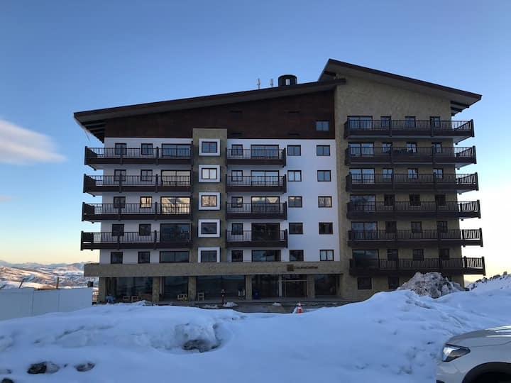 Valle Nevado Ski Resort 6 pax Apartment Ski in/out