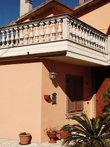Casa vista mare terrazza e giardino - San Benedetto del Tronto - Penzion (B&B)