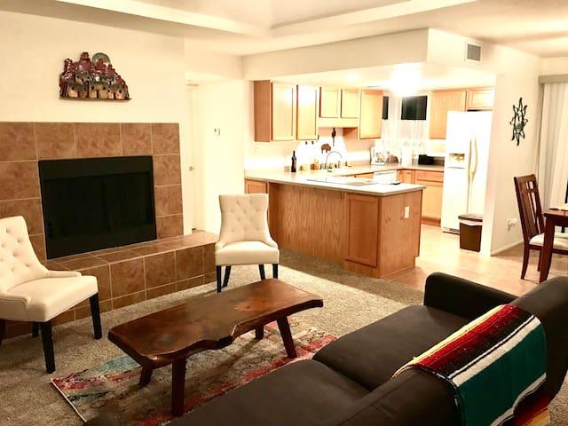 Cozy Luxury Condo in Gorgeous Tucson Area