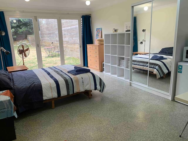Private Granny Flat in the heart of Rose Bay!
