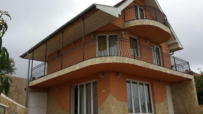 Feltöltődés Zalaegerszeg felett - Zalaegerszeg - House