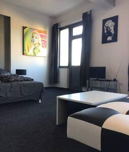 The Monroe Suite