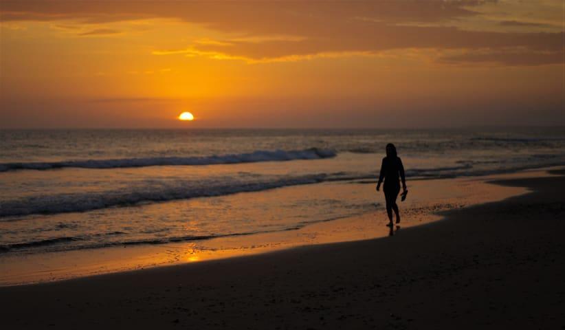 Playa Anaconda y sus hermosos atardeceres