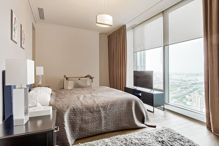 Sky Room – Deluxe, 55th floor the Federation Tower