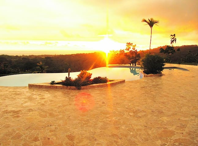 Stunning Ocean and Mountain Views of National Park - Puntarenas - Apartemen