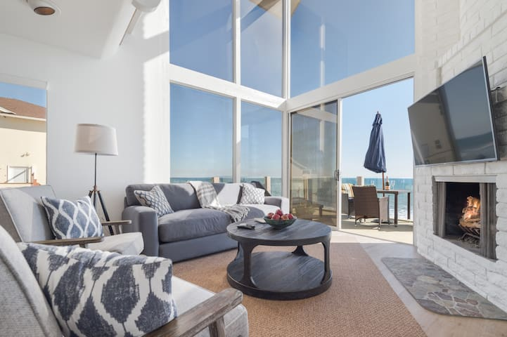 Oceanfront Retreat - Perfect for Family Reunions - Malibu - Apartment