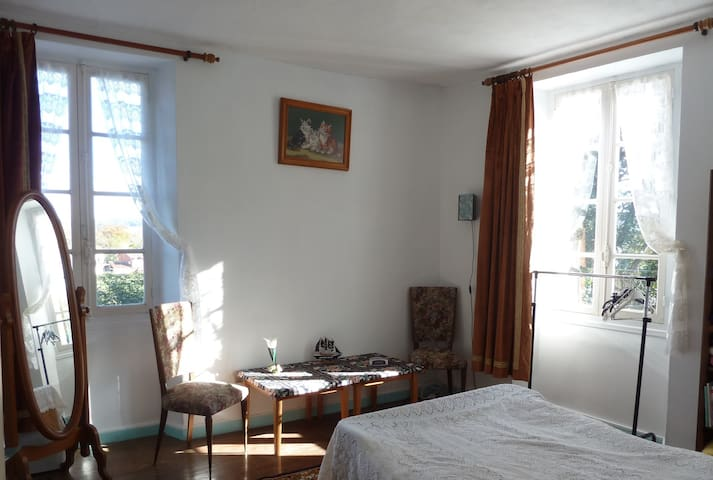 Gezellige B&B in Bellocq, Pyrenees Atlantique - Bellocq - Bed & Breakfast