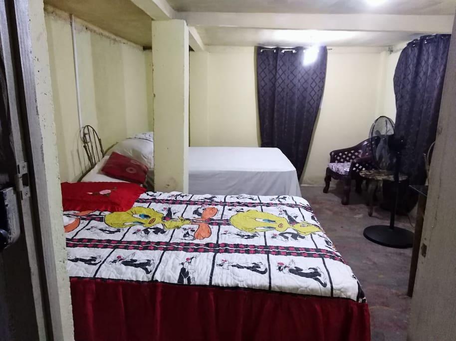 Dormitorio en primer nivel.