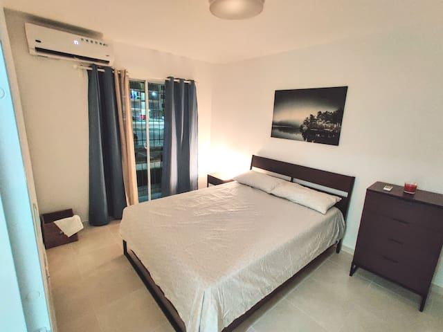☀Stylish 2 br☀near Airport SDQ, hot water+parking